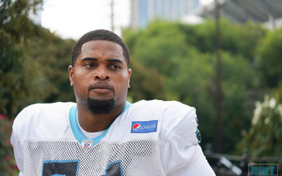 Panthers Add Tackle Help, Send Daryl Williams to IR