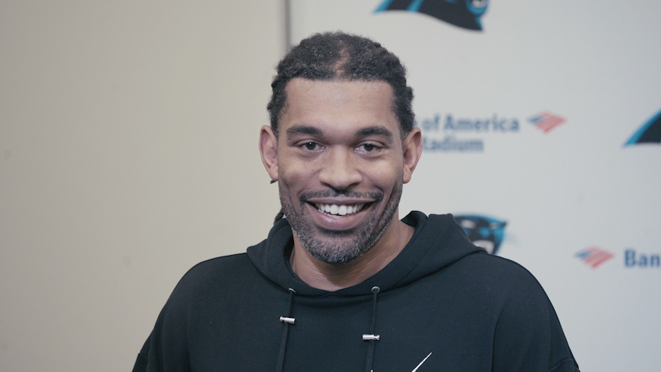 Panthers Hire Julius Peppers as Special Assistant