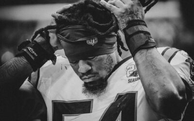 """Inside The Locker Room: Shaq Thompson's Post-Game Speech After Panthers """"Embarrassed"""" At Home"""